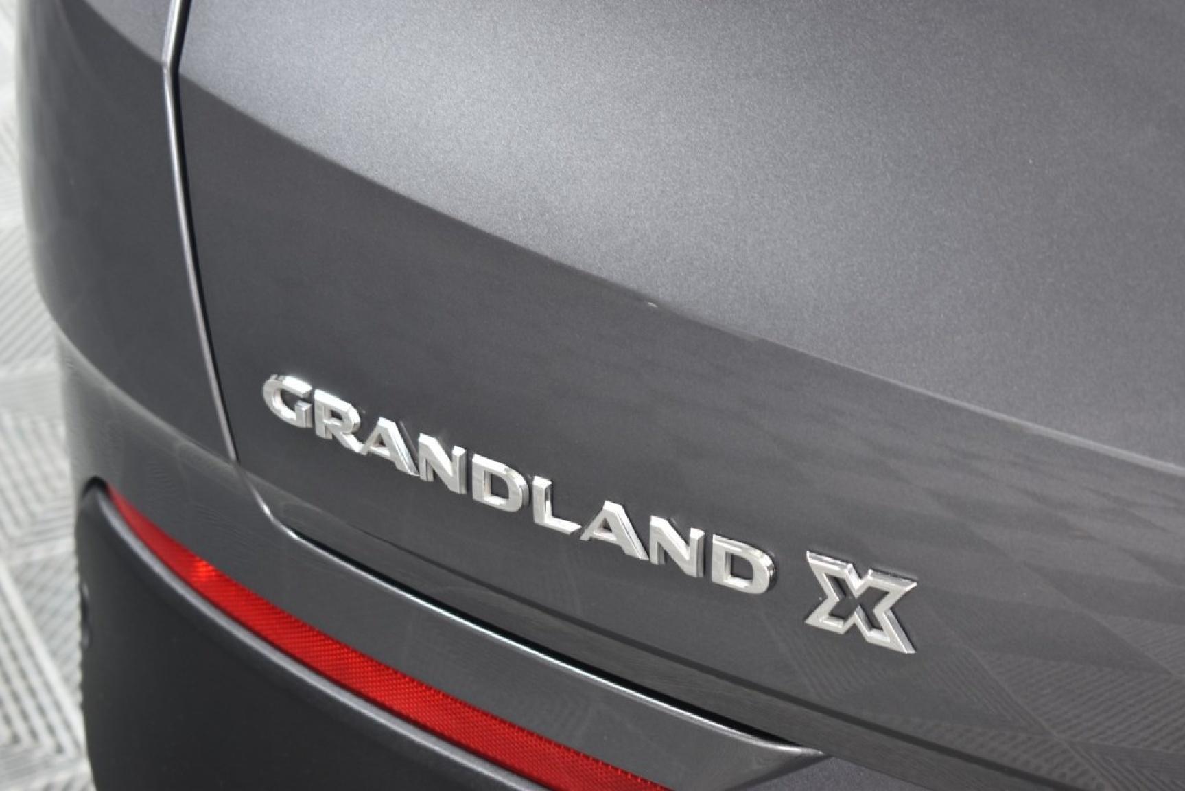 Opel-Grandland X-52