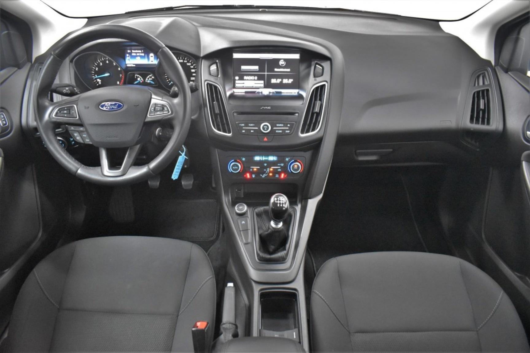Ford-Focus-10