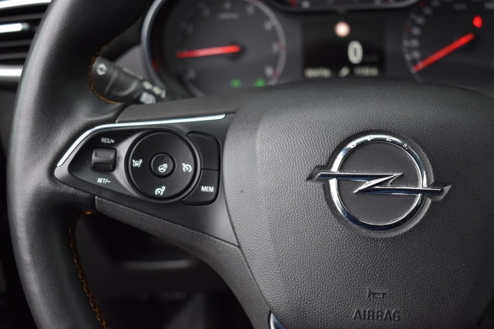 Opel-Crossland X-16